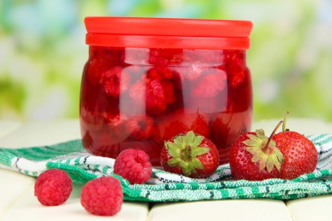 Mashed Strawberries for teeth whitening