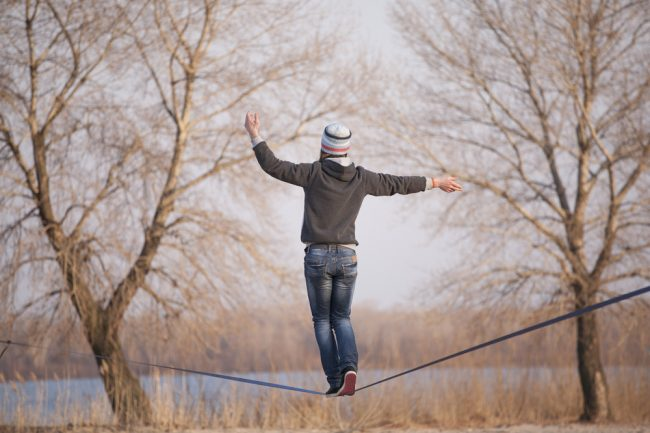 Best Slackline Kit Review - man