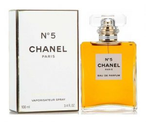 Most Iconic Colognes and Perfumes for Men and Women - Women Perfume CHANEL_No 5 Eau De Parfum Spray