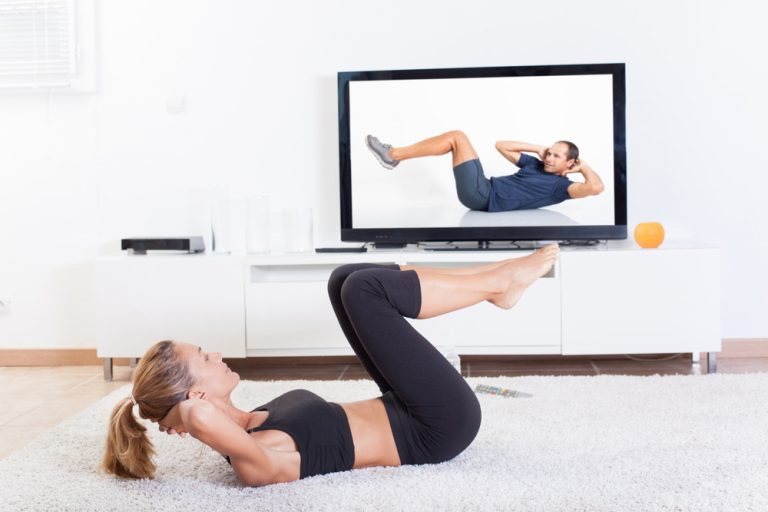 online fitness trainer - training at home