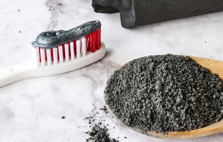 charcoal in toothpaste